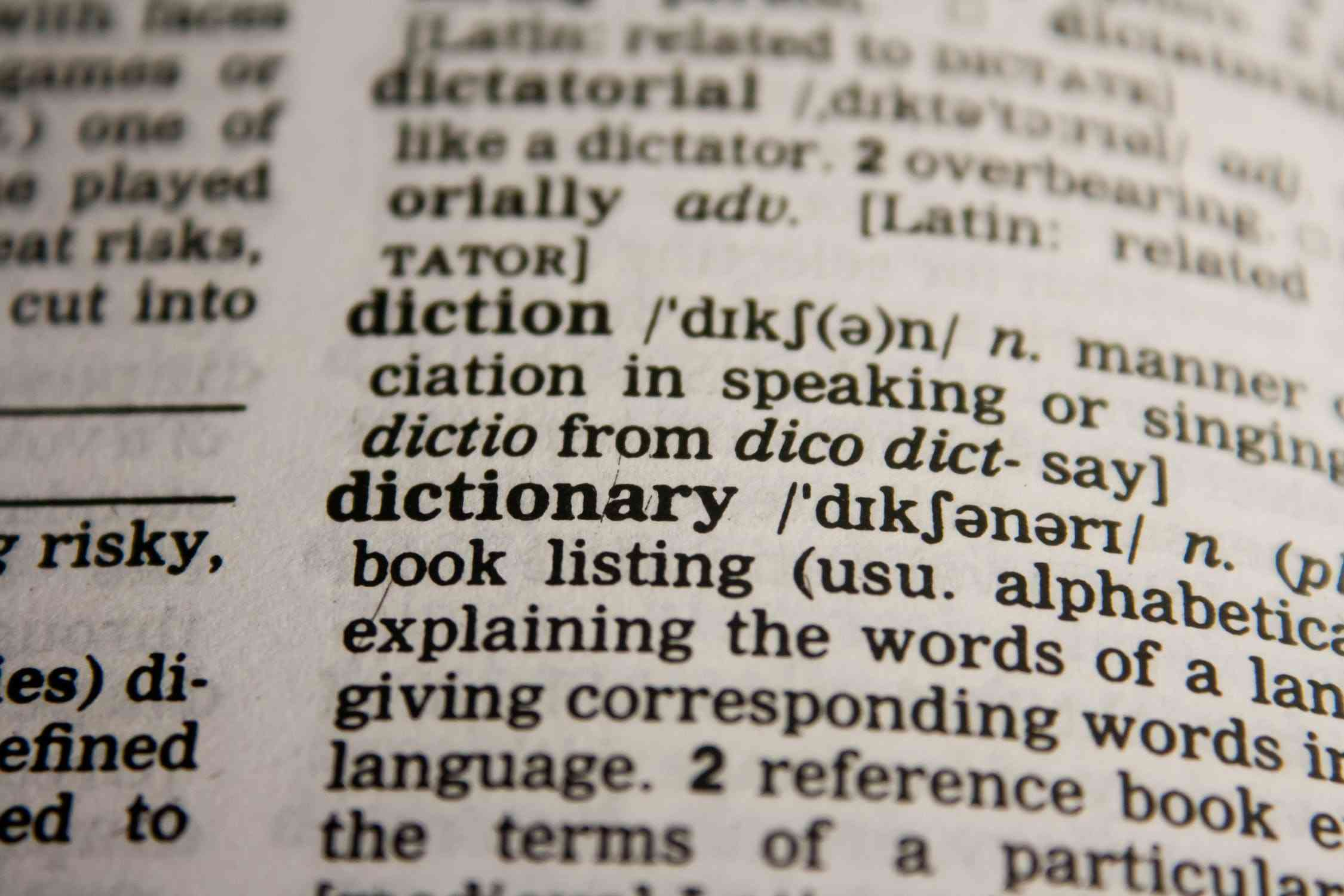 Tłumaczenia przysięgłe - cechy wyróżniające