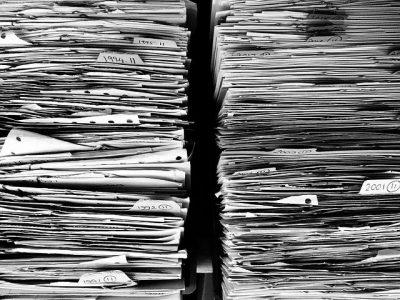 tlumaczenie dokumentow firmowych 400x300 - Tłumaczenie dokumentów firmowych